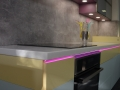 RGB-páskem-podsvícená-corianová-pracovní-deska-1